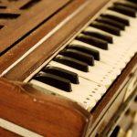 Что делать если жалуются на сложные мелодии в киртане?