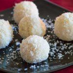 Как приготовить «Кокосовые шарики»?