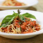 Макароны с базиликовым соусом
