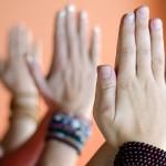 Правильно ли здороваться, произнося «хари бол»