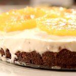 Пирог с творогом, апельсинами и шароном