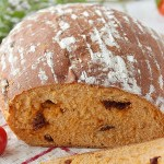 Хлеб с вялеными томатами и тимьяном