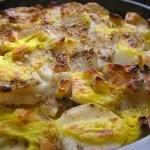 Картофель запеченный с сыром, рис с курагой, фрукты в сладком кляре